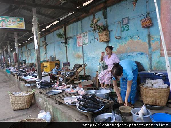 Manisithu Market