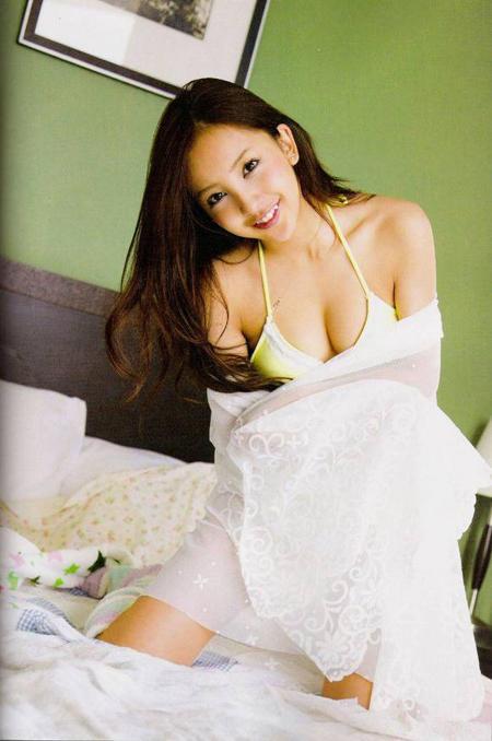 板野友美34