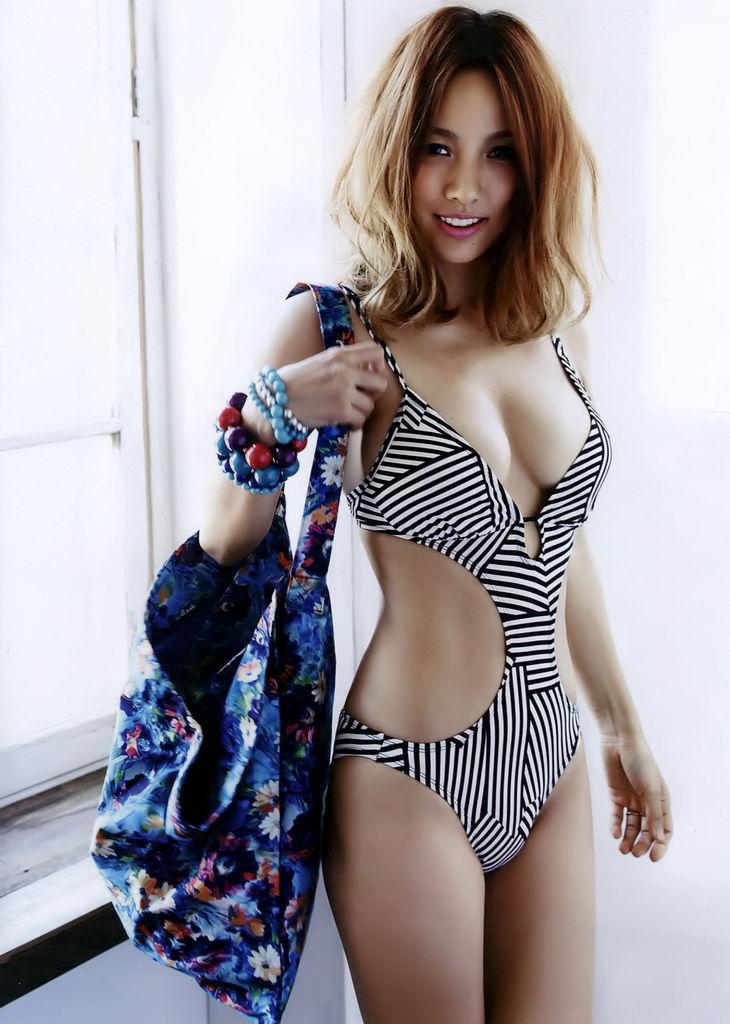 李孝利25