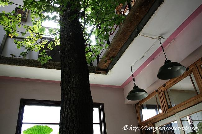 hsieh_house286.jpg