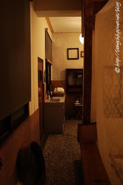 hsieh_house102.jpg