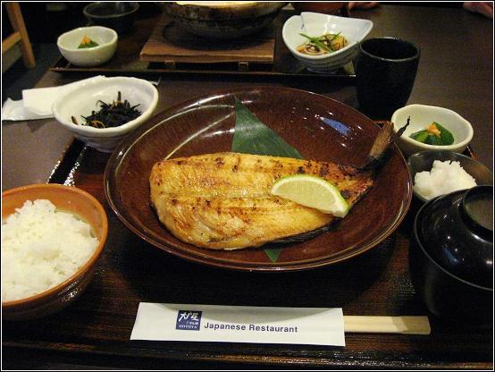 炭烤花魚定食.JPG