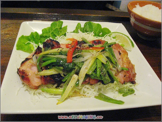 鹽蔥雞肉及配菜.JPG