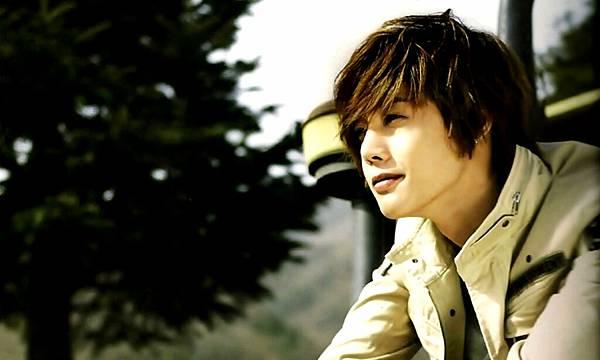 1280x768 Hyun Joong 賢重