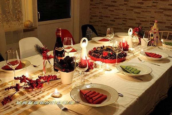 聖誕餐桌1.jpg