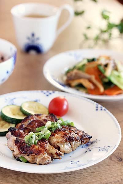 一鍋兩菜~鹽麴雞腿+奶油時蔬1.jpg