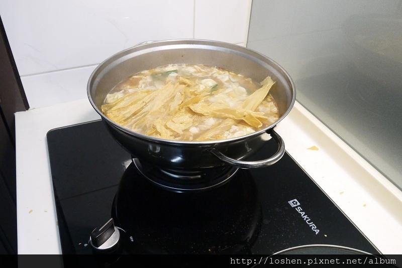 薑母鴨湯底 + 久代豆皮