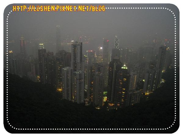 霧很大的凌霄閣夜景~等好晚