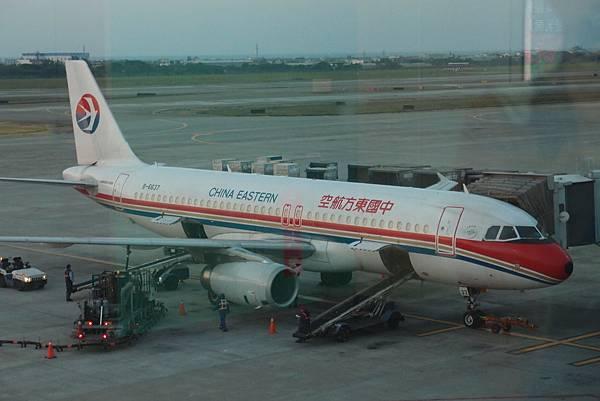 東方航空公司 飛上海小飛機
