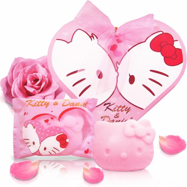 [幸福久久久]Hello Kitty朝露玫瑰麝香愛戀SPA組(1沐浴3香皂)2