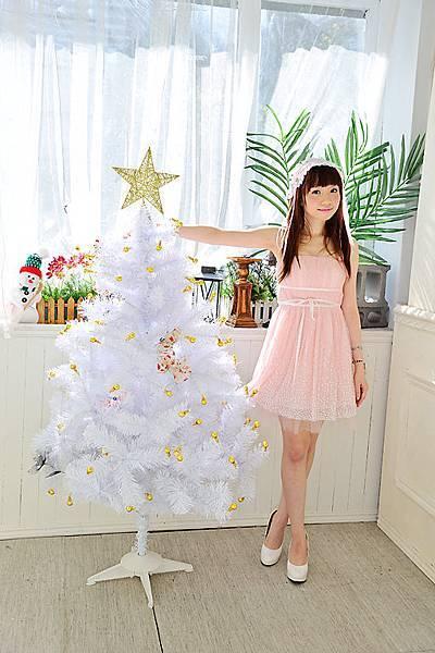 什麼??我和耶誕樹比誰高??
