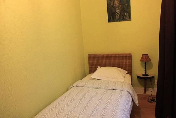 【巴黎。住宿】鄰近羅浮宮,交通便利平價小旅店~阿皮酒店