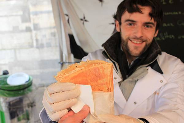 【巴黎。美食】源自西北部布列塔尼。法式平價美食~可麗餅。