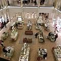 【巴黎。購物】第七區。避免觀光客人潮蜂擁的貴婦百貨~樂蓬馬歇百貨