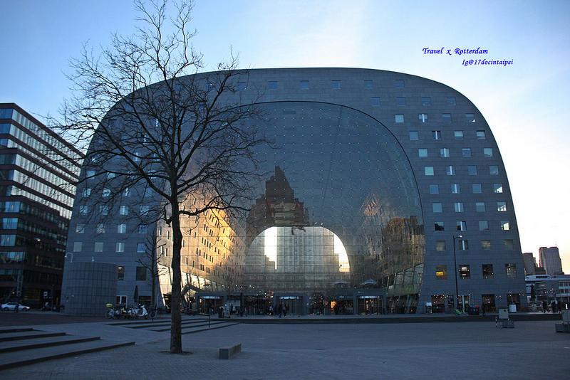 Travel-Rotterdam-Markthal-拱廊市場-17docintaipei (42)