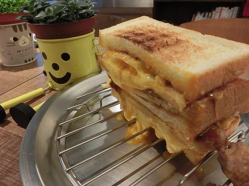台北美食-三重餓店烤吐司-17度C隨拍 (13)
