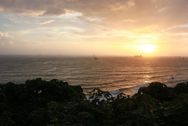 環島-西子灣-夕陽與猴子共舞 (28)