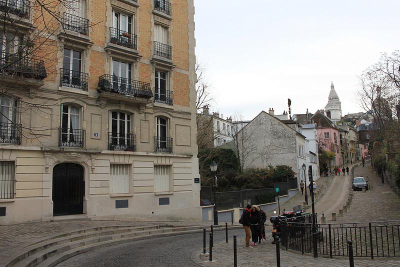 巴黎蒙馬特高地~聖心堂-17度C用中文遊巴黎。 (76)