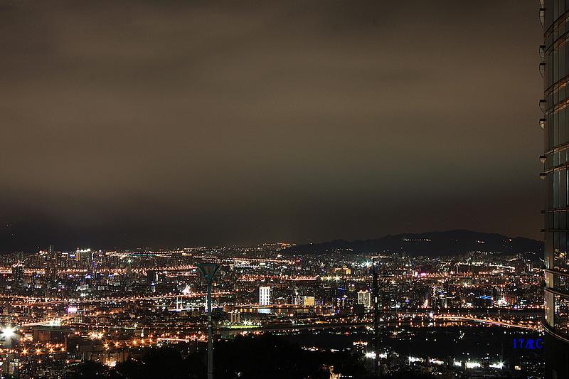 台北。文大後山景色。