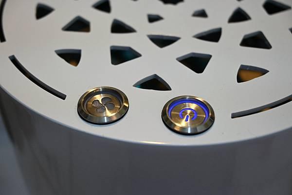 R1S全方位環境淨化抑菌機開箱,R1S全方位環境淨化抑菌機使用心得,美國RGF-inside,國家級的防疫技術認證,居家防疫好幫手,防疫新生活,無耗材