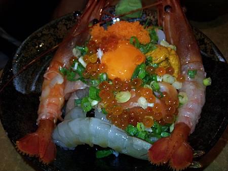 無敵海鮮蓋飯加牡丹蝦680+140