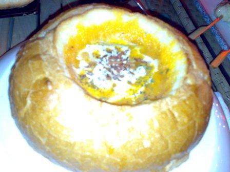 奶油海鮮蔬菜麵包巧達湯320.jpg