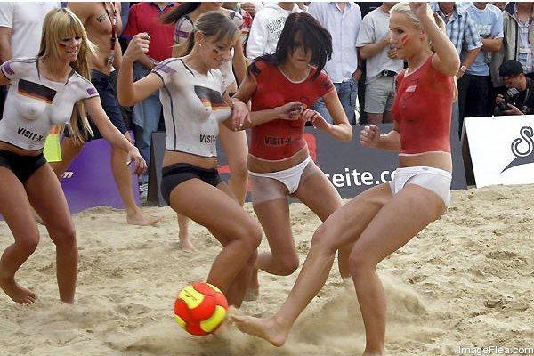 Beach Soccer in Australia   .... Why So Popular2.jpg