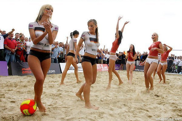 Beach Soccer in Australia   .... Why So Popular3.jpg