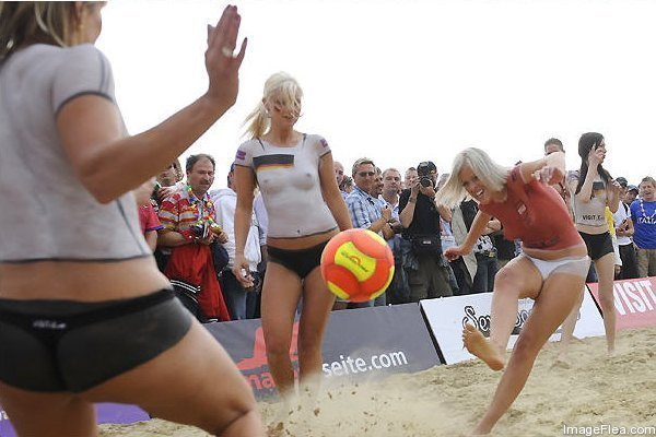 Beach Soccer in Australia   .... Why So Popular10.jpg