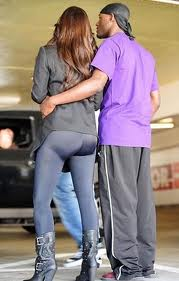 Kim-Kardashian-Leggings-Are-Not-Pants1