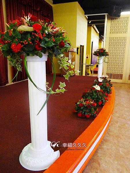 婚禮舞台羅馬柱鮮花-2