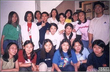 2000年寄情築園文學網聚