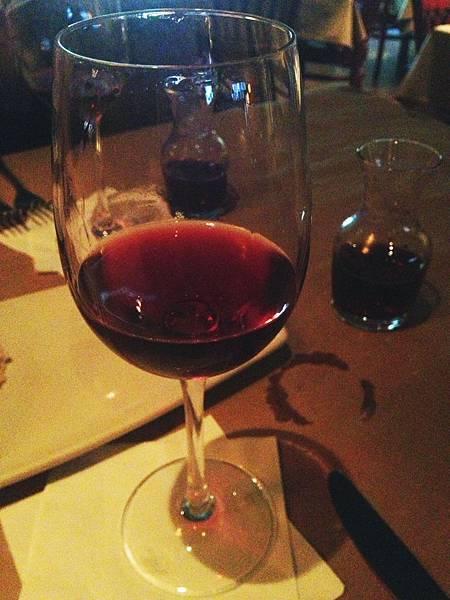 晚餐的紅酒