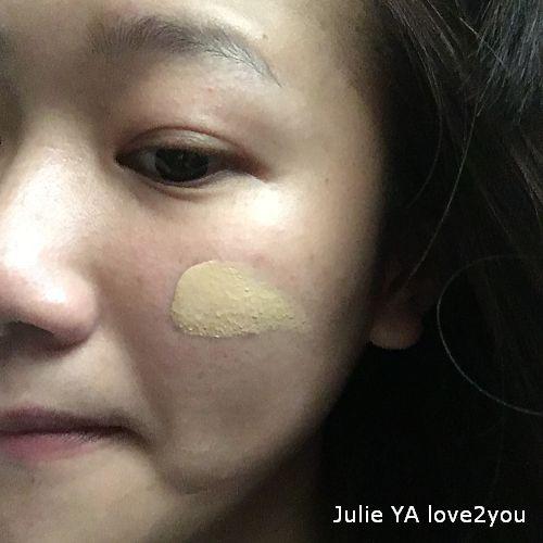 雅詩蘭黛 粉持久完美持妝粉底 塗抹.jpg