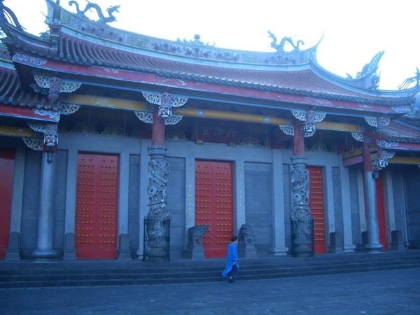 行天宮的大門