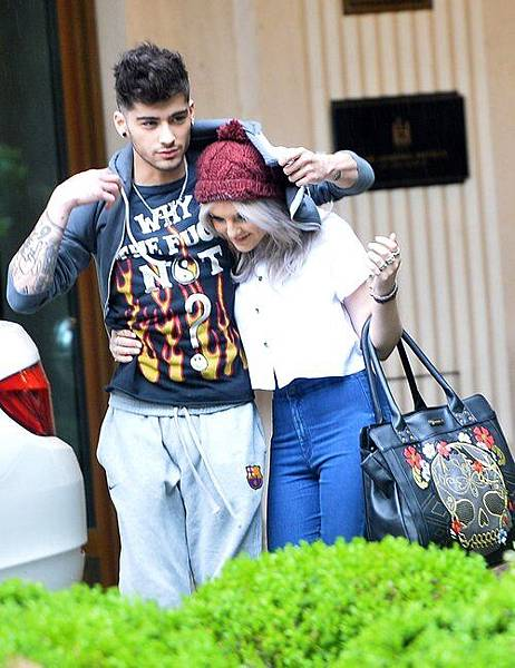 Zayn-Malik-Shields-Girlfriend-Perrie-Edwards.jpg