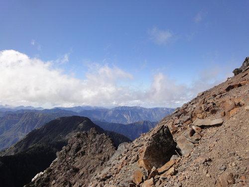 22玉山山景2011年.jpg