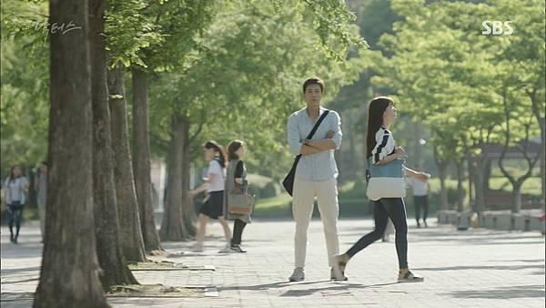 Docotrs-線上看-金來沅-智弘-第一集截圖- (12).jpg