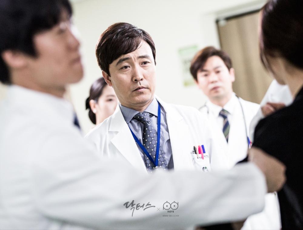 Doctors-線上看-女流氓慧靜-第三集-vol05- (34).jpg