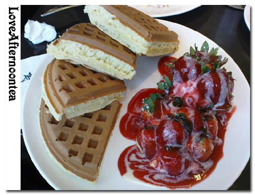 草莓鬆餅.png