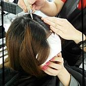 開始辣開始辣!!!!  第一道程序是頭皮隔離 要保護好才不會受傷唷!!