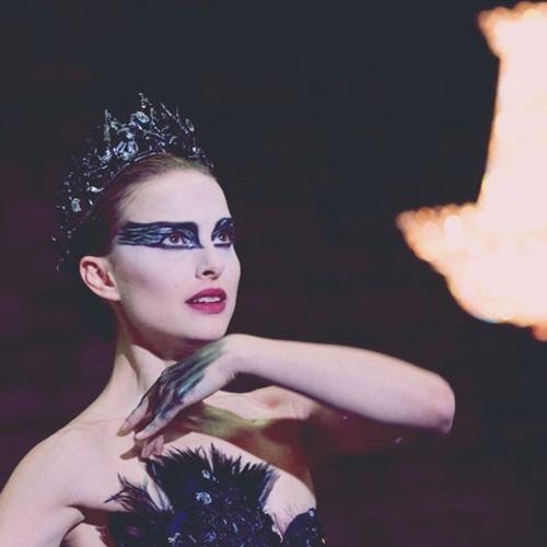 black-swan-behind-the-scenes-video-with-rodarte-and-swarovski-06.jpg