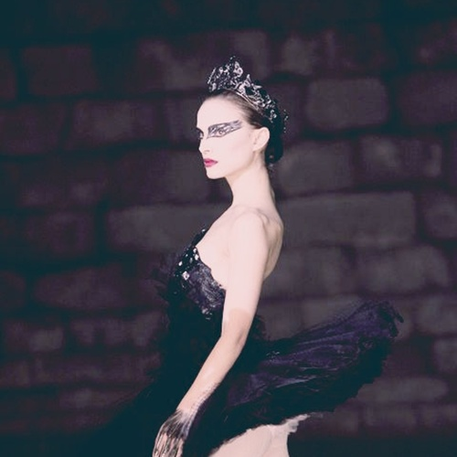 black-swan-behind-the-scenes-video-with-rodarte-and-swarovski-04.jpg