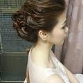 要蓋上頭紗也要美美的髮型