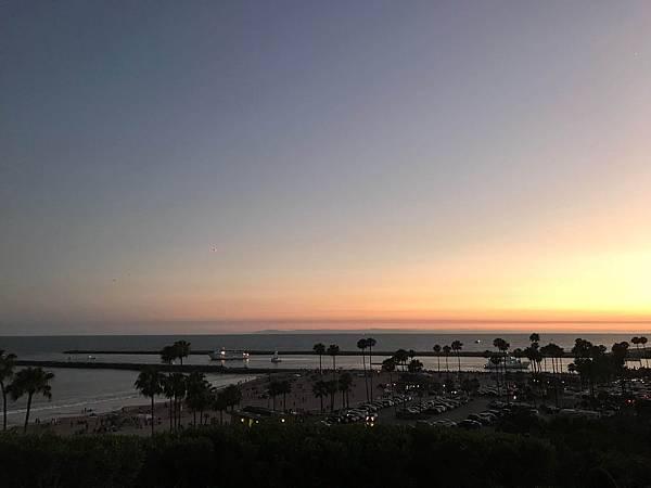 夜晚看煙火啦Corona Del Mar
