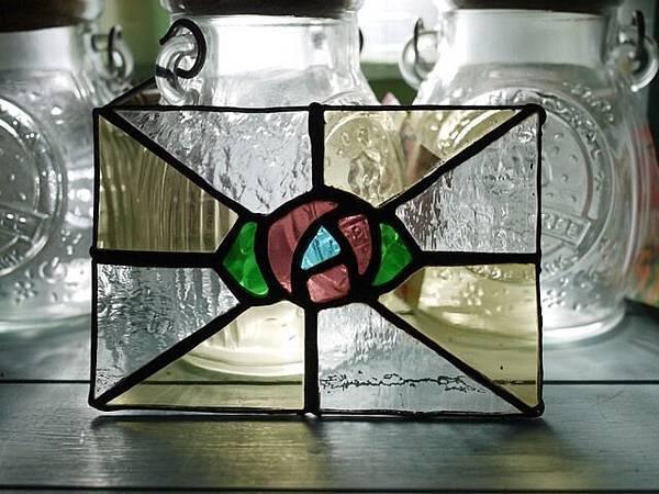 小小玫瑰。鑲嵌玻璃