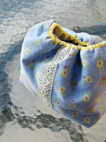 迷你包衛生紙的束口小提袋