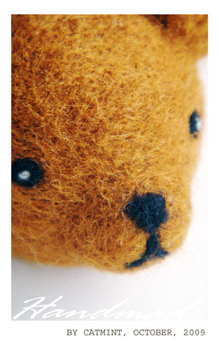 頭大大。大頭熊