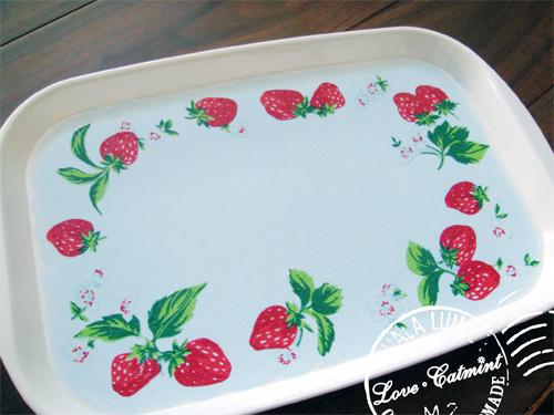 蝶古巴特。草莓小餐盤