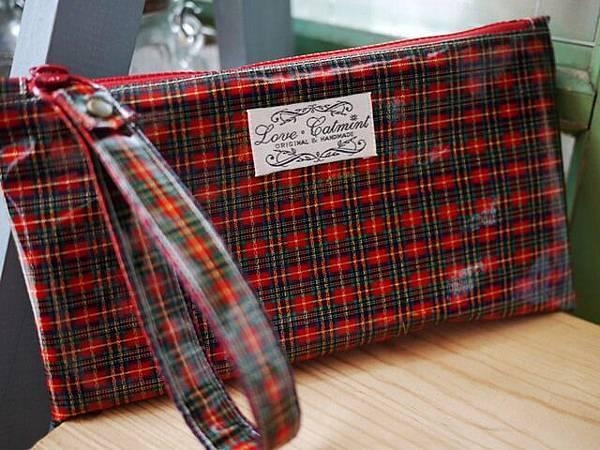 紅格紋防水布手挽包